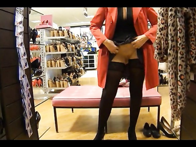 Under the skirt upskirts 281 - 1 part 2